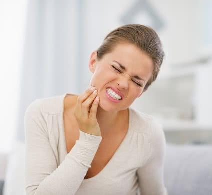 Mọc răng khôn, cách giúp giảm đau mọc răng khôn