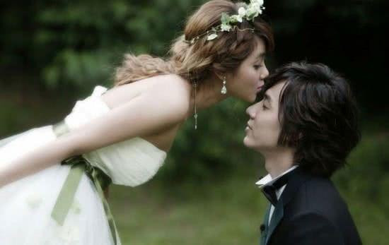 Kết hôn, ảnh cưới, độ tuổi nên kết hôn