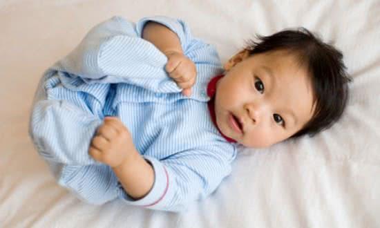Trẻ 5 tháng tuổi, mốc phát triển của trẻ