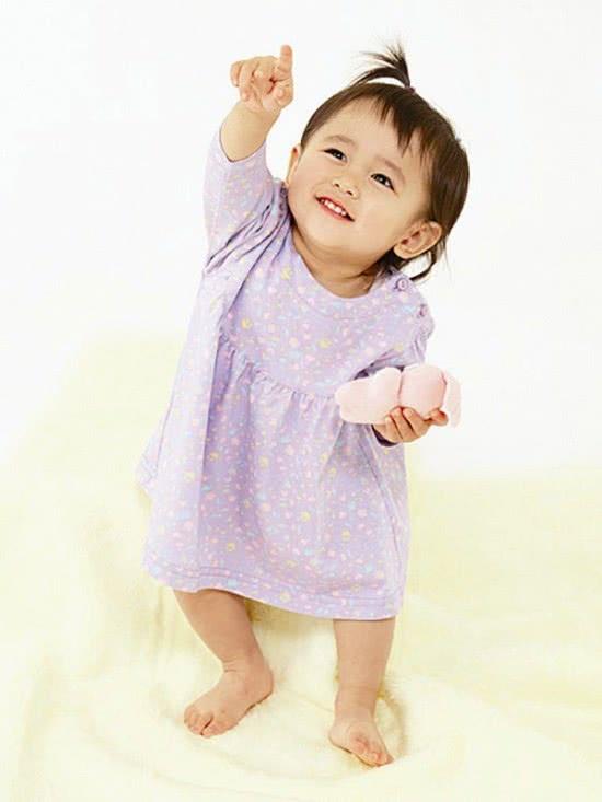 Trẻ 10 tháng tuổi, mốc phát triển của trẻ