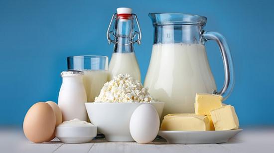 Bệnh trĩ không nên ăn bơ sữa
