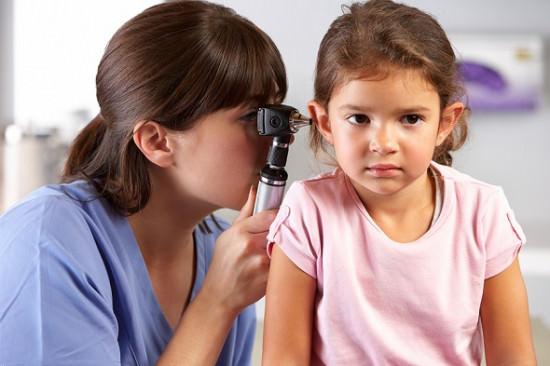Bệnh viêm tai giữa ở trẻ
