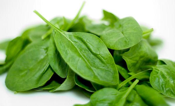 Ăn nhiều rau xanh khi bị sốt