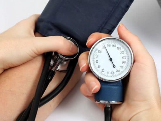 Ngất xỉu do huyết áp không ổn định