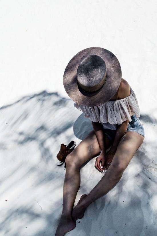 Nên mang kem chống nắng khi đi du lịch