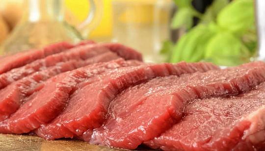 Ăn thịt đỏ gây suy thận mãn tính