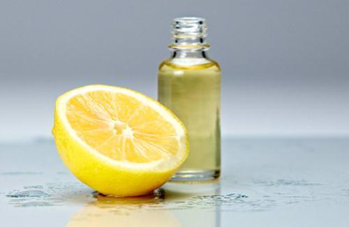 Chanh và dầu hạnh nhân giúp chăm sóc da buổi tối