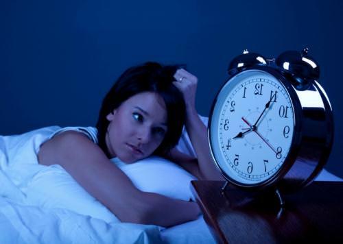 Thức đêm gây giảm trí nhớ
