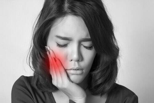 Húng quế trị đau nhức răng