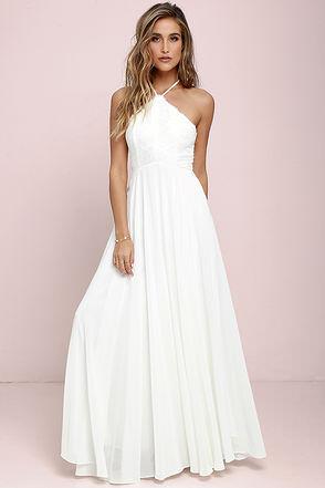 Trang phục không nên mặc khi dự tiệc cưới
