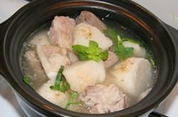 Món ăn chữa bệnh từ củ khoai sọ