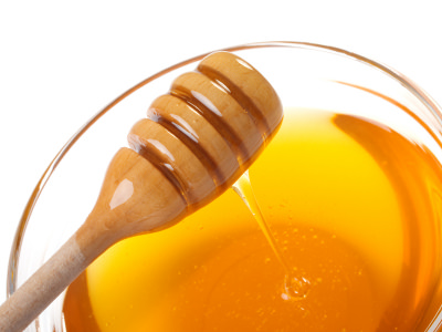 Mật ong giúp xóa nếp nhăn
