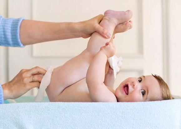 nguy hại từ việc đóng bỉm sai cách cho con
